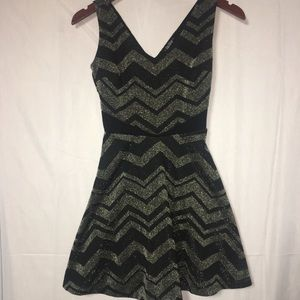 BeBop XS glitter flare skirt dress black gold (P)